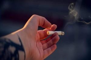 Αυτά είναι τα «τσουχτερά» πρόστιμα στους καπνίζοντες σε λεωφορεία και ταξί!