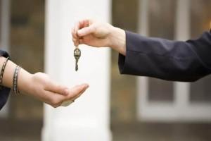 """Θα σας λύσει τα χέρια: 4 κρυψώνες για να βάλετε το """"δεύτερο"""" κλειδί του σπιτιού σας!"""
