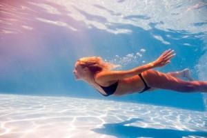 Αυτός είναι ο απίστευτος λόγος που σας πιάνουν κράμπες στην θάλασσα! (Video)