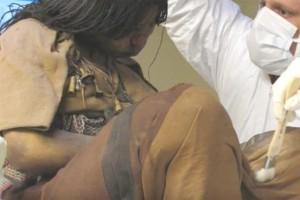 Απίστευτο: Βρήκαν το παγωμένο πτώμα της μετά από 500 χρόνια! Δείτε σε τι κατάσταση ήταν!