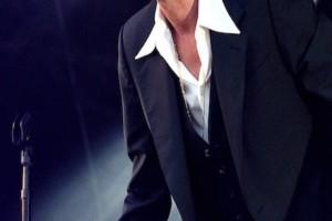 Απίστευτη εξομολόγηση πασίγνωστου τραγουδιστή: «Όταν  μου είπε να χωρίσουμε πήγε να μου πέσει η σύριγγα από τα χέρια»
