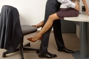 """Αληθινή εξομολόγηση: """"Απάτησα τον άντρα μου με το αφεντικό μου για τα λεφτά!"""""""