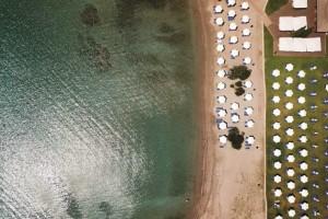 """""""Ελληνική ριβιέρα"""": Ατελείωτη διασκέδαση στις παραλίες της!"""