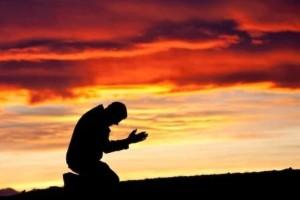 Προσευχή: Έχει όντως θεραπευτική δύναμη;