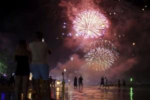 Χάος: Εννιά τραυματίες σε γιορτή με πυροτεχνήματα! (Video)
