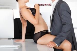 """Αληθινή ιστορία: """"Έκανα έρωτα με τον συνάδελφο μου... στο γραφείο!"""""""