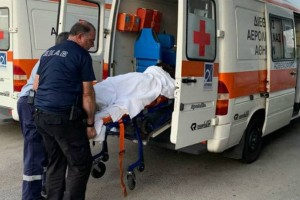 Εσπευσμένα στο νοσοκομείο γνωστή Ελληνίδα τραγουδίστρια!
