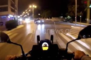 Βίντεο - Σοκ: Παραλίγο να καταγράψει τον θάνατό του σε διασταύρωση των Χανίων!