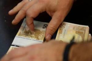 Κοινωνικό Μέρισμα - Επίδομα: Αύξηση στα ποσά και... κατάργηση! Ποιοι θα πάρουν 2.000 ευρώ μέχρι τον Απρίλιο;