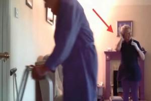 89χρονος βάζει κρυφή κάμερα για να δει ποιος του κλέβει λεφτά από το πορτοφόλι του! Αυτό που αντίκρισε, τον έκανε να παγώσει! (Video)