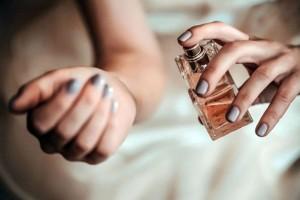 Αυτά είναι 6 tips για να αφήνεις το άρωμά σου παντού!