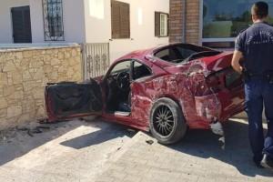 Τροχαίο στην Αρτέμιδα: Σοβαρά τραυματισμένος ο οδηγός!