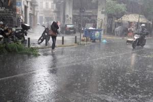Καιρός: Έρχονται ξανά βροχές και καταιγίδες!  Που θα «χτυπήσουν»;