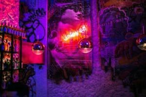 V for Vandal: Ένα εναλλακτικό bar  με την urban steet και art culture αισθητική!