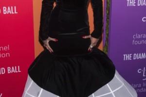 Σοκ! Πασίγνωστη τραγουδίστρια είναι έγκυος!
