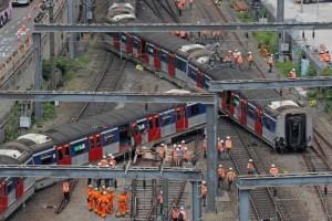 Παραλίγο τραγωδία στο Χονγκ Κονγκ! Εκτροχιάστηκε συρμός του μετρό!