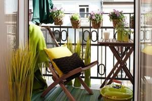 Κοπέλα στη Θεσσαλονίκη μετέτρεψε το άδειο και μικρό μπαλκόνι της, σε έναν πανόμορφο χώρο για να κάθεσαι