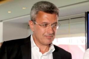 Αυτός ο πασίγνωστος Έλληνας είναι ξάδερφος του Νίκου Χατζηνικολάου!
