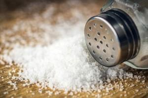 Αλάτι: Ποια μυρωδικά το «αντικαθιστούν» για να το μειώσετε χωρίς να χάσετε γεύση;
