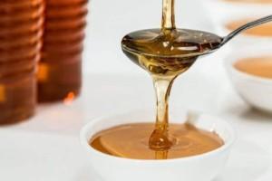 Κάνεις δίαιτα; Ιδού με τι να αντικαταστήσεις το μέλι!