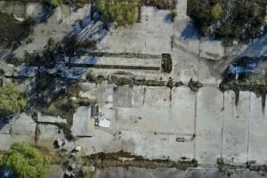 """Εργοστάσιο ΕΛΛΕΝΙΤ. Το άγνωστο """"Τσέρνομπιλ της Ελλάδας"""" από ψηλά και η ιστορία του."""