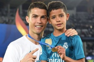 Άσσος ο γιος του Κριστιάνο Ρονάλντο! Δείτε τον να παίζει μπάλα και θα καταλάβετε! (Photo)