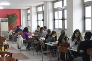Ποιοι είναι οι δικαιούχοι για την δωρεάν σίτιση; Ποιες είναι οι προϋποθέσεις για τους φοιτητές;