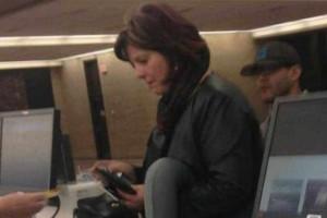Η φωτογραφία αυτής της γυναίκας στα εισιτήρια του αεροδρομίου, σαρώνει στο διαδίκτυο! Δείτε και θα καταλάβετε!
