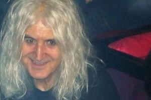Νίκος Καρβέλας: Πάθαμε σοκ με την ηλικία του! Δεν φαντάζεστε πόσο χρονών είναι!
