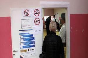 Αδιανόητο: Εκλογικοί αντιπρόσωποι έπαθαν αλλεργία στην καταμέτρηση ψήφων!