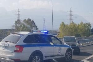 Πανικός στην εθνικό οδό Αθηνών-Λαμίας: Άνδρας σκόρπισε τον τρόμο! (photos)