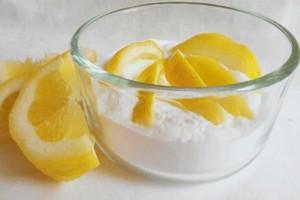 Εκπληκτικό: Γυναίκα βούτηξε μισό λεμόνι σε μαγειρική σόδα - Το σώμα της άλλαξε μέσα σε 1 εβδομάδα!