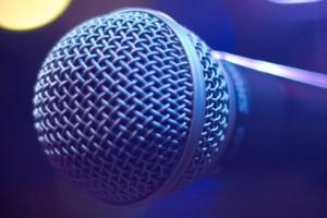 Έλληνας παντρεμένος τραγουδιστής ξελογιάστηκε με γυμνάστρια!