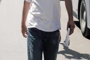 Αυτός είναι ο πασίγνωστος Έλληνας ηθοποιός τύφλα από τα ναρκωτικά στο κέντρο της Αθήνας!
