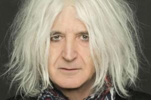 """Νίκος Καρβέλας: Αυτή η γυναίκα του """"πήρε"""" το μυαλό μετά την Αννίτα Πάνια!"""