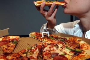 Διαιτολόγος λέει ότι η πίτσα για πρωινό είναι πιο υγιεινή από τα δημητριακά!