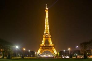 """Ταξίδι για δύο στο Παρίσι: 10 + 1 πράγµατα για να κάνει ένα ζευγάρι στην """"Πόλη του Φωτός""""!"""