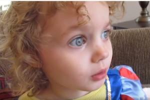 Viral έγινε η ιστορία με το 3χρονο κοριτσάκι που αφηγείται ιστορία! (Video)