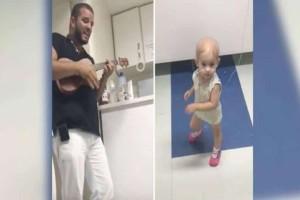 Συγκινητικό: Γιατρός κάνει καντάδα σε κοριτσάκι που πάσχει από καρκίνο και η αντίδρασή της είναι ό,τι πιο γλυκό είδαμε σήμερα! (Video)