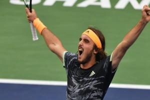 Στην κορυφή του κόσμου ο Στέφανος Τσιτσιπάς: Κατέκτησε την κούπα στο ATP Finals! (Video)