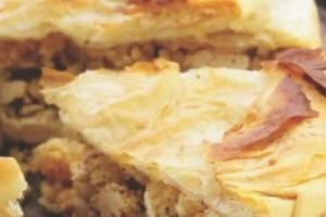 Μπρικόπιτα: Φτιάξτε την παραδοσιακή κοτόπιτα με κρέμα από καλαμποκάλευρο!