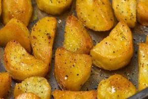 Ζουμερές πατάτες φούρνου με κόλιανδρο!