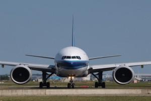 """Τρόμος στον αέρα: Boeing """"έβγαζε"""" φωτιές από τους κινητήρες! (Video)"""