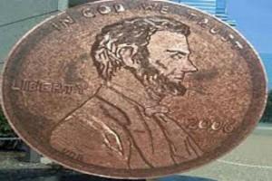 Αυτή η γυναίκα έφτιαξε ένα τεράστιο κέρμα από 84.000 σεντ!