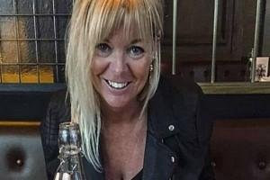 Ζωή, 30 ετών: Τα έχω με το παντρεμένο αφεντικό μου και επειδή δεν χωρίζει θα τα φτιάξω με τον γιο του