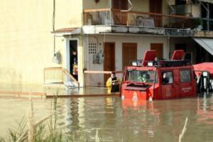 Ηλεία: Πλημμύρες, εγκλωβισμένα οχήματα και σοβαρές καταστροφές από την κακοκαιρία!