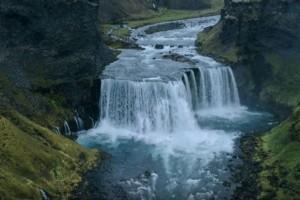 Ισλανδία: Ο τόπος που σου κόβει την ανάσα και παράλληλα σε μαγεύει! (Video)