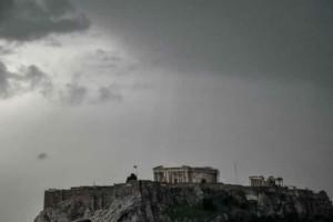 Καιρός αύριο: Συννεφιά και μπόρες στις περισσότερες περιοχές!