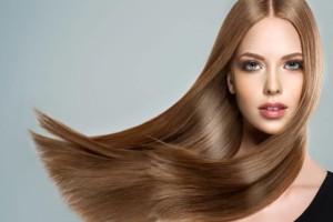 Ανακατέψτε λάδι με αβοκάντο και τρίψτε τα μαλλιά σας! Το αποτέλεσμα θα σας εκπλήξει!