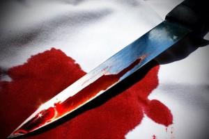 Βόλος: Μαχαιρώθηκε μπροστά στα μάτια δικαστικών επιμελητών!